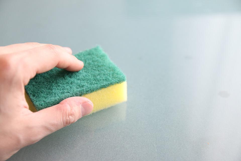 טיפים מקצועיים לניקיון הבית עם חומרים טבעיים