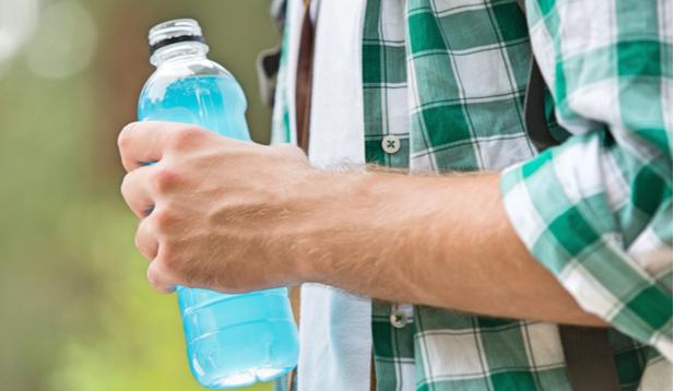 החשיבות של משקאות איזוטונים בעת ביצוע פעילות גופנית עצימה