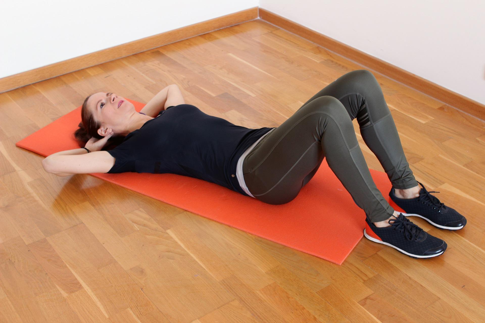 שלושת התרגילים שנמצאו הכי יעילים לחיטוב הבטן